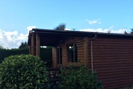 Detached Log Cabin on quiet site - Cornwall