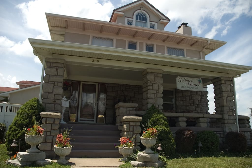 Maggie S Room Bed And Breakfasts For Rent In Warrensburg