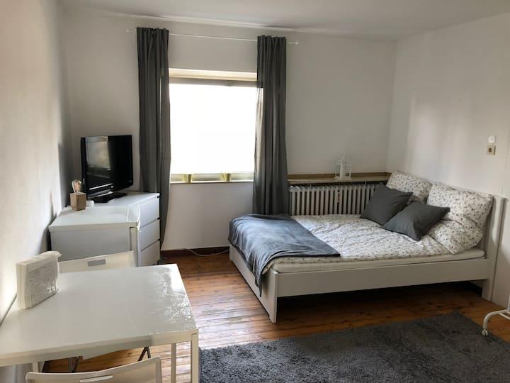 Modernes Privatzimmer in der Nähe von Köln