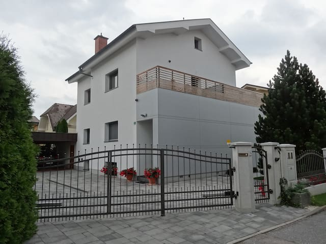 Children friendly apartment with garden - Ljubljana - Wohnung