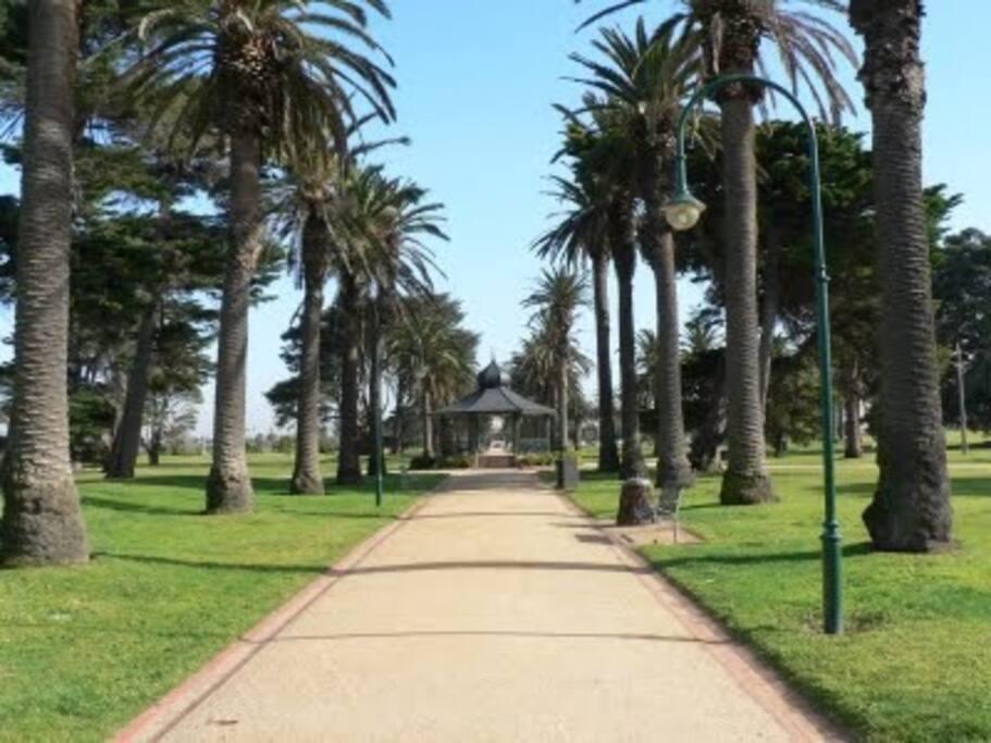 Catani Gardens on the beachfront