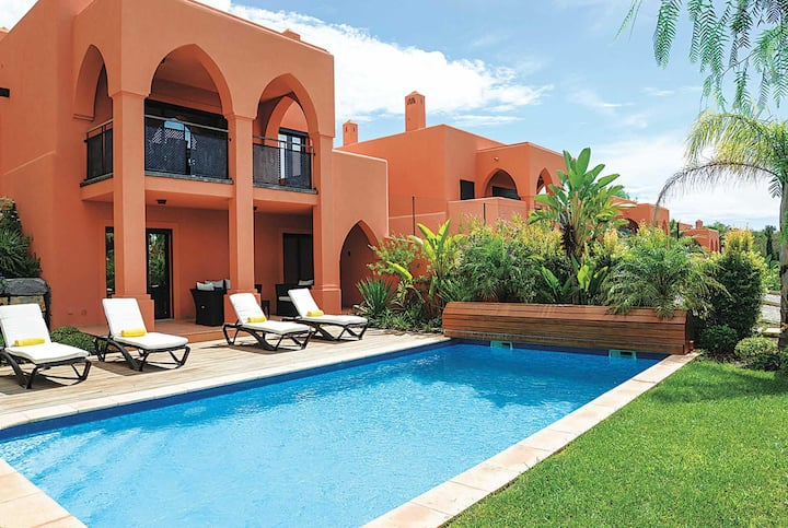 3 bed modern golf resort villa with private pool