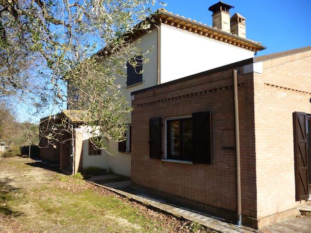 Casa in campagna con vista lago - San Liberato - Oda + Kahvaltı