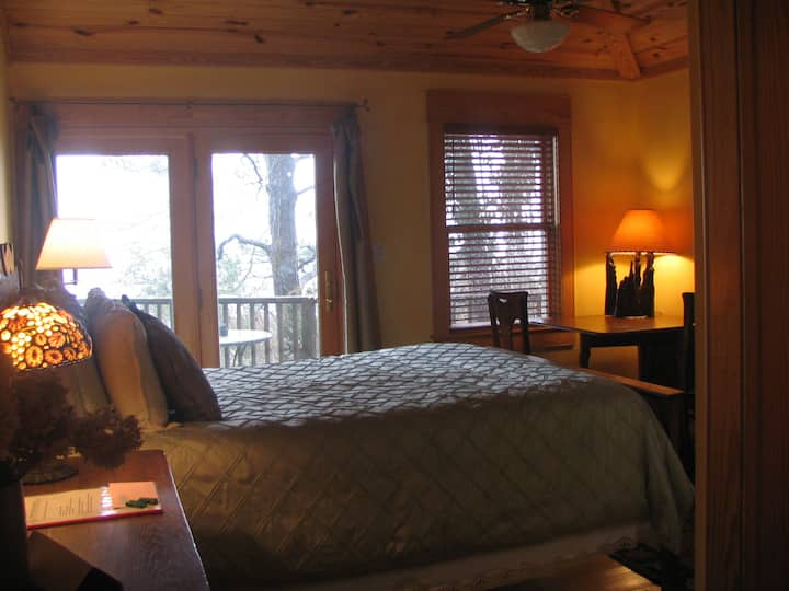The Cypress Moon Inn, Guest Room