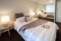 Beautifully renovated room in cottage