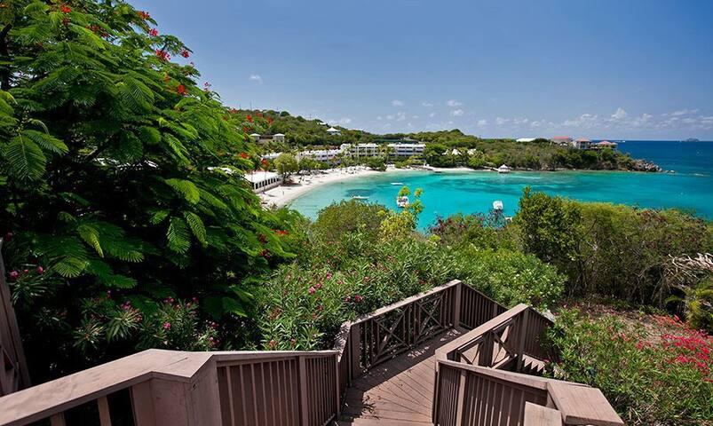2-5 bd, beach staircase, pool, a/c - East End - Willa