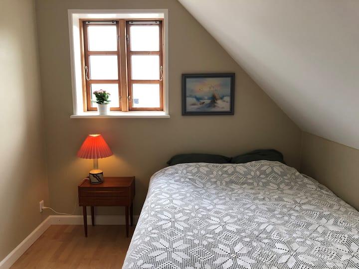 Gården på bakken - det lille værelse