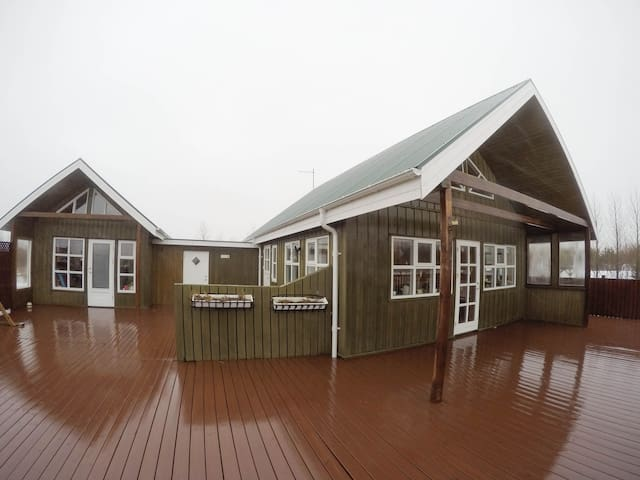 Cozy Summerhouse close to Reykjavik and Selfoss