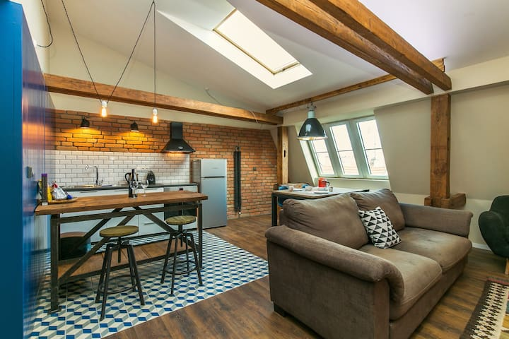 NEW LOFT NEAR CHARLES BRIDGE! - Praga - Loft