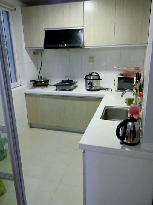 厨房用具齐全!