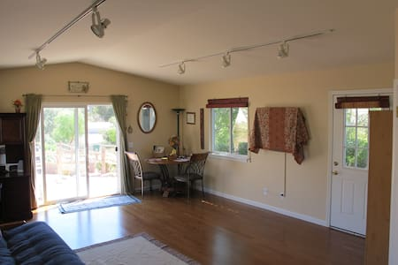 Private studio close to beach and wineries - Arroyo Grande - Apartamento
