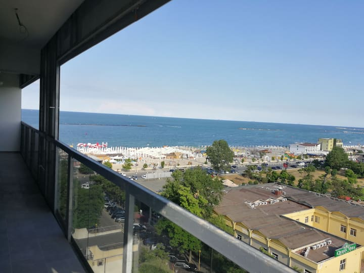 Luxurious mamaia apartment