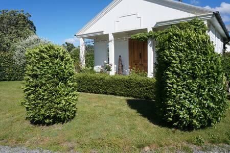 Wisteria Cottage - Broomfield Gardens - Renwick
