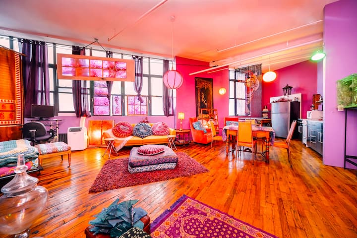 Unique  Magical Artist Loft Apartment - Bushwick