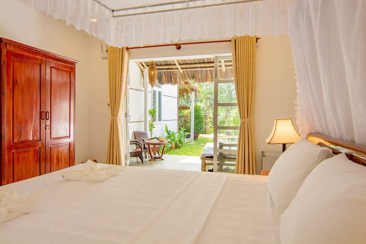 Private Deluxe Room: Near An Bang Beach 50m