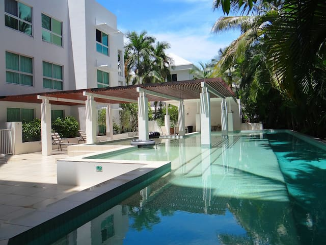 Ocean View Luxury Apartment in City - Cairns North - อพาร์ทเมนท์