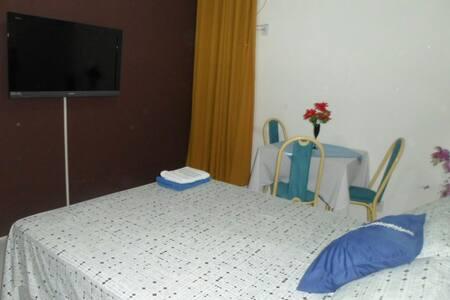 Quarto c/ suite e cozinha - Belém