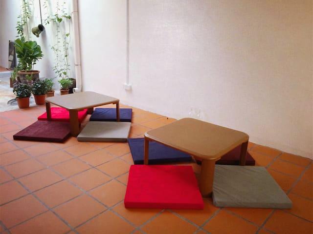 Dreamcatcher Travelers Refuge (SMALL FAN ROOM) - George Town - Bed & Breakfast