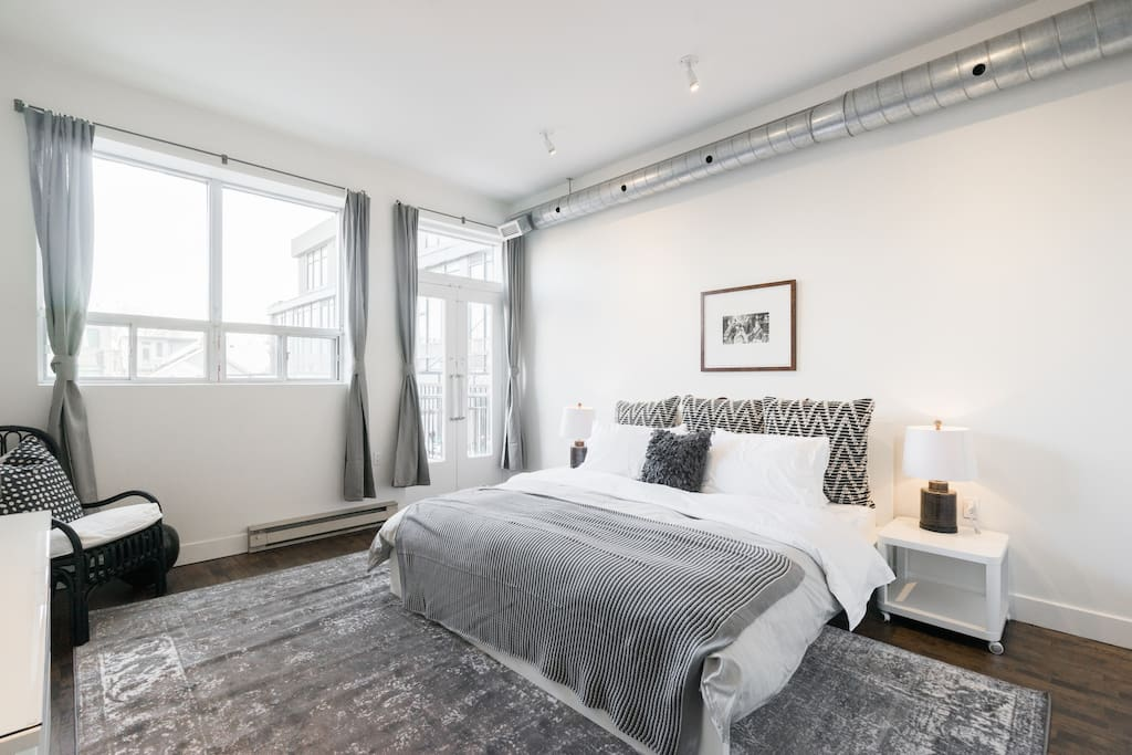 3br 2 Story Trendy Ossington Loft Apartments For Rent In Toronto Ontario Canada