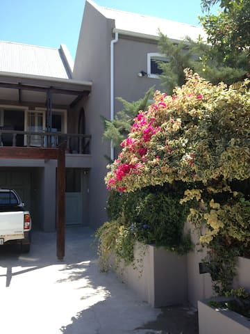 Olive Green Garden Suites - Riebeeck West