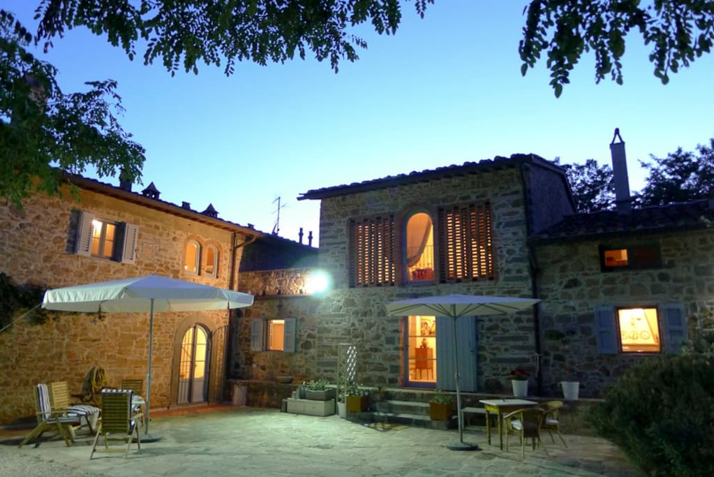 Country house in tuscany barn houses for rent in castra for Rent a house in tuscany