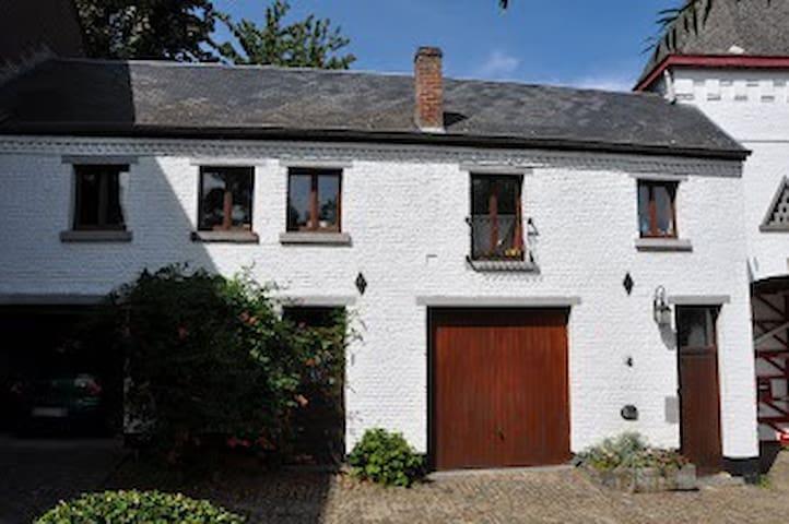 Appartement dans ferme authentique - Ottignies-Louvain-la-Neuve - Wohnung