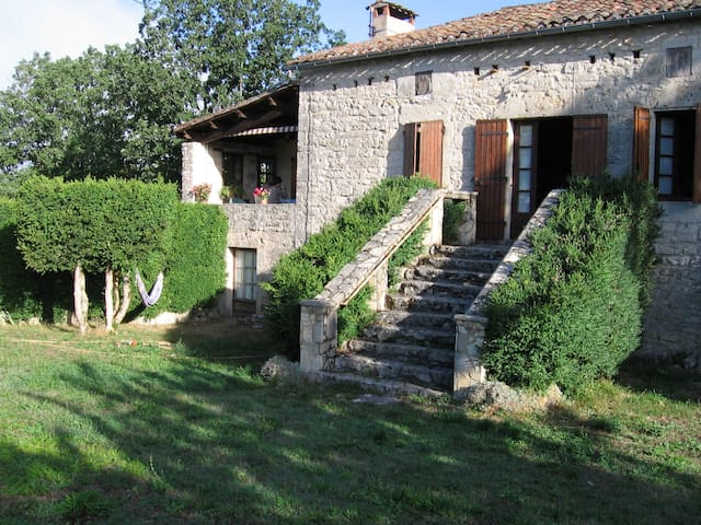 belle maison quercynoise en pierres - Mauroux - House