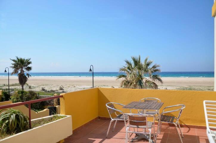 Apartamento en Tarifa con terraza y a pie de playa