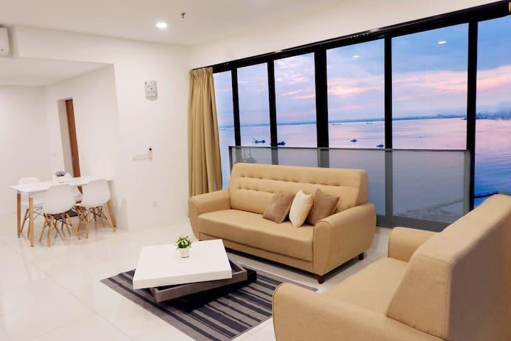 Seaview Duplex Condo @ Gurney Penang 槟城关仔角之海景公寓