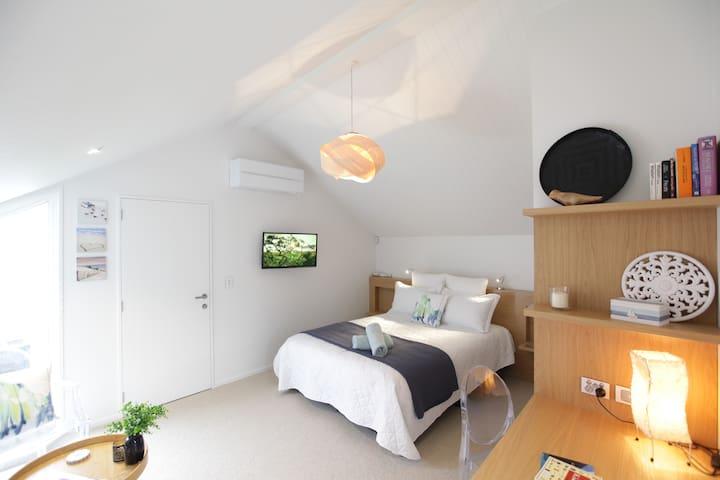 Redcliffs -  Gorgeous Architect Designed Studio