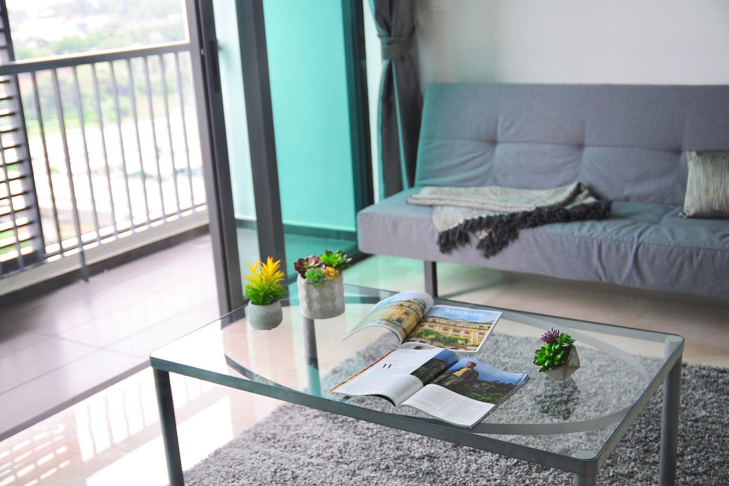 Luxe 1 Bedroom Unit, Located in the Prime Location of Kuala Lumpur. 1 Queen Bed and 2 Super Single Convertible Sofa Beds.