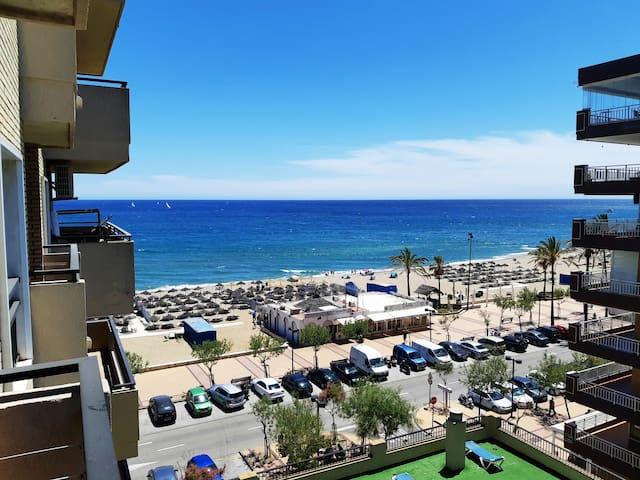 ☆BEACHFRONT Apartment Ronda IV - AC/Heating
