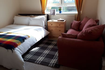 Lovely double room for work trip and key workers.