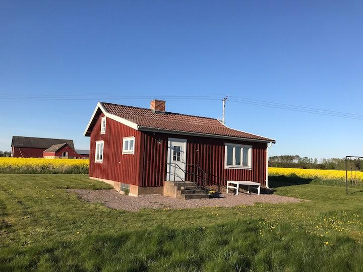 Mysig stuga på landet nära Lidköping & Sommarland