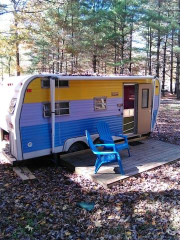 Cozy Vintage Camper - Erwin - Karavan