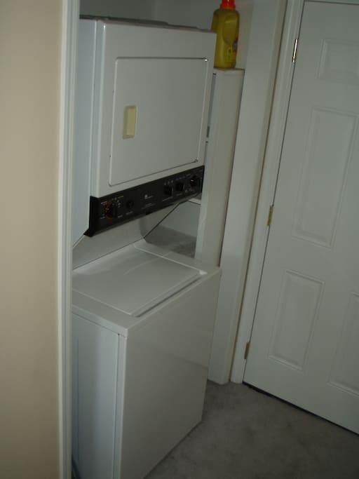 Washer/Dryer & detergant