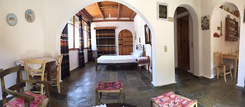 Villa Kamari - Cretan style apartment