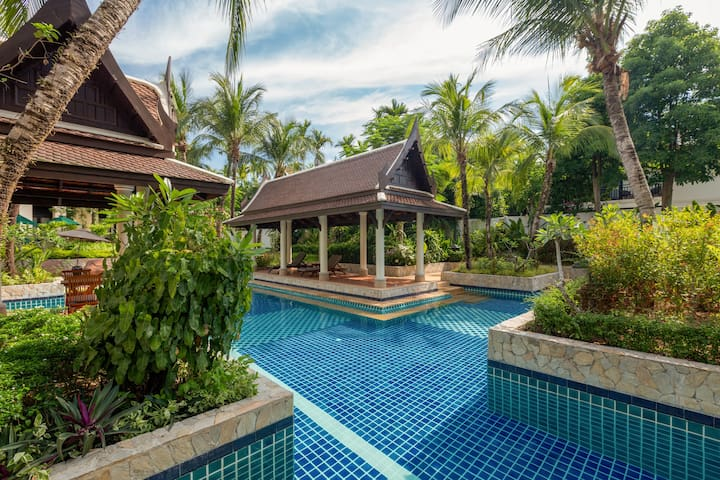 Kanika Residence - 100 meters to beach, 2 bdr, pool, gardens