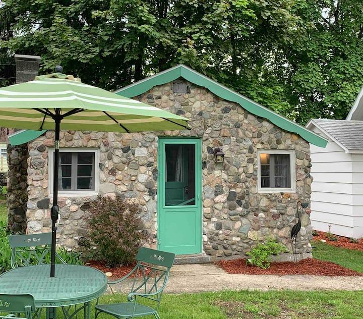 M22 Stone Cottage | Portage Lake View | Green Buoy