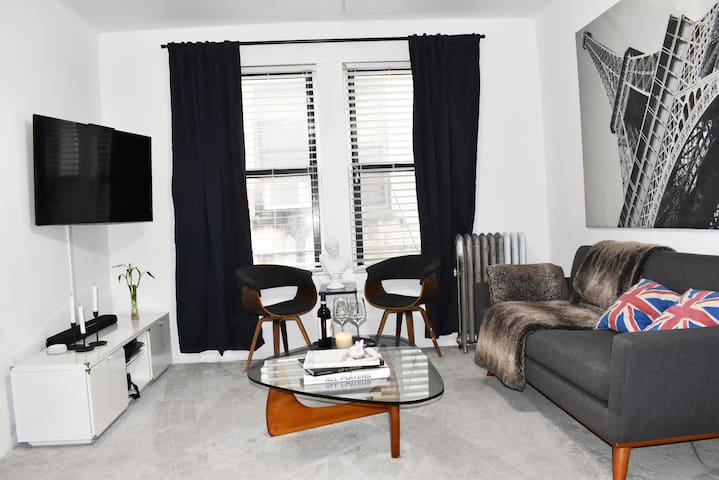 Luxury suit Astoria park 15 min from LGA airport
