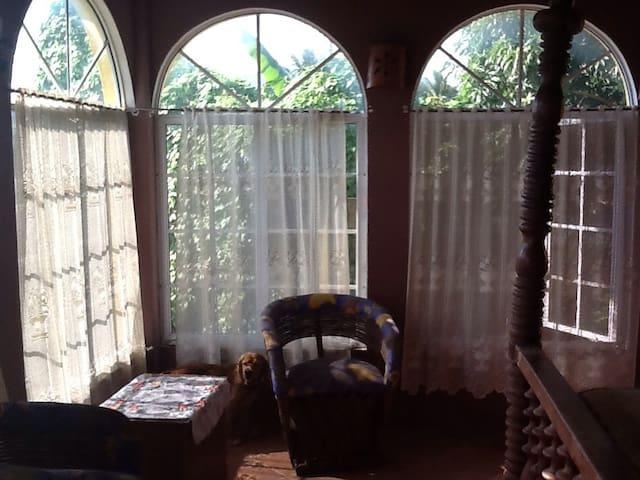 Casa Mango:3rd bedroom, nice airflow. Own bathroom