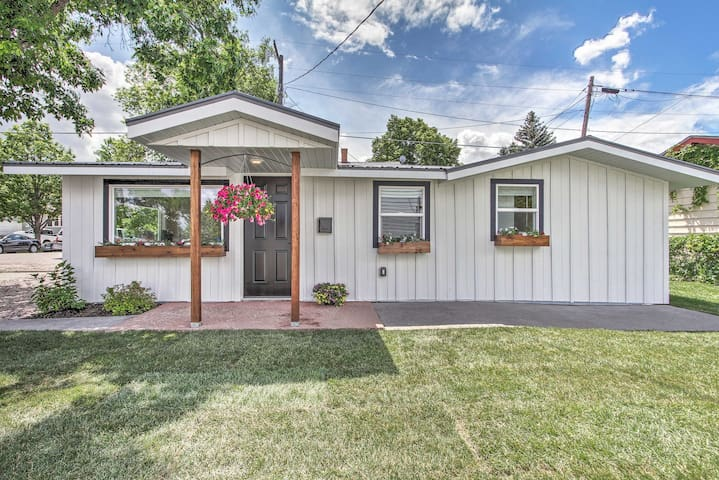 Charming Great Falls Cottage~2 Mi to Downtown