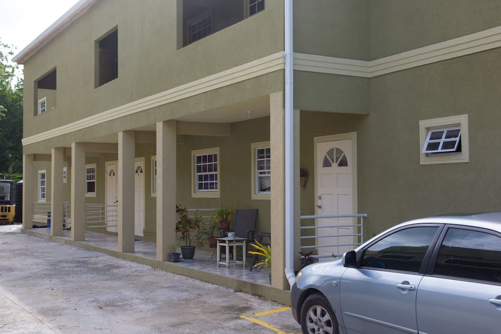Le Caprice is a sunny corner apartment with a dedicated parking space.