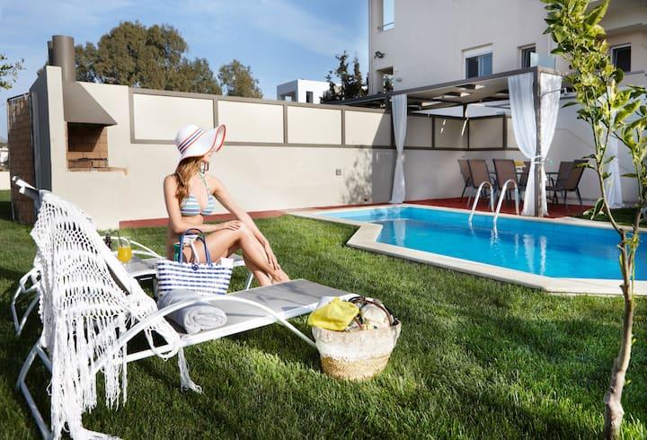 Dream villa Superior with private heated pool