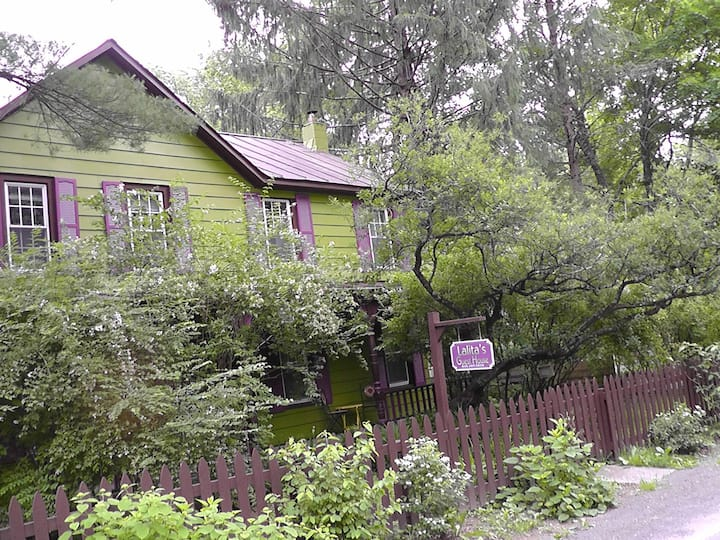 Lalita's Suites Woodstock  Village