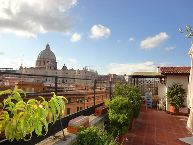 Amazing Penthouse - St Peter Vatican View! - Roma - Apartamento