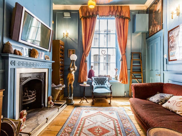 Historic Stylish House in Holborn