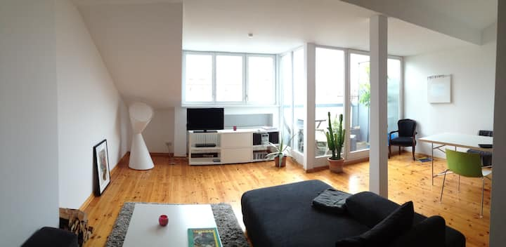 Roof top apartment, very central and near to Mitte