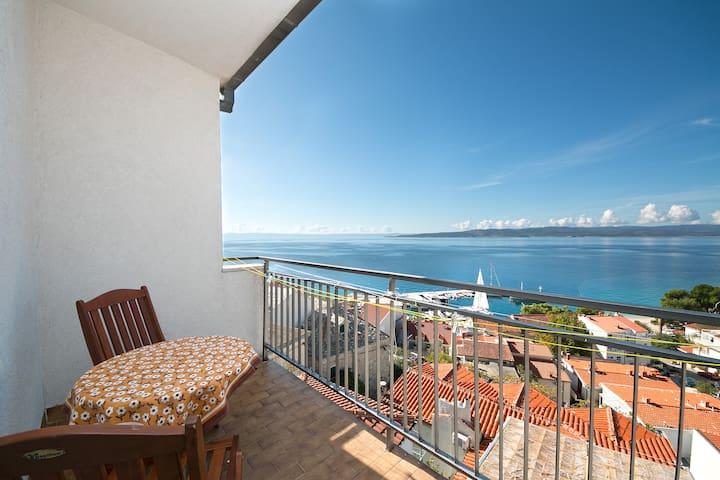Charming sea view bedroom (1)