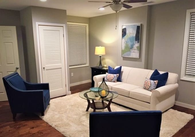 River Oaks Luxury Apartments